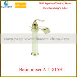 3 mezcladores encubiertos grifo de oro del lavabo del jade de la habitación