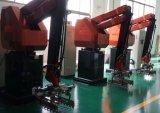 Nähen, Verpackungsfließband und Roboter-Hand stapelnd