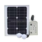 Sistema a energia solare che illumina mini sistema solare domestico