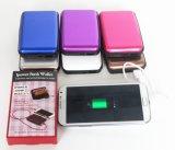 Côté neuf de pouvoir de poste avec le détenteur de carte, chargeur portatif d'Aluma pour l'iPhone