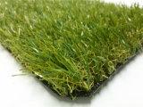 Calcio dell'interno di gioco del calcio ed erba sintetica