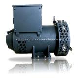 Gerador pequeno acoplado com o motor Diesel marinho