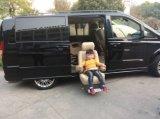 El asiento de coche caliente del eslabón giratorio de la venta 2015 instala en el Benz para lisiado y la anciano