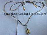 Collana placcata oro con l'elemento di modo della nappa del metallo