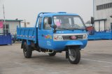 De Vrachtwagen van het tri-wiel met Anderhalf Zetel van de Rij