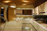 Weißer runder Winkel-Lack-Küche-Luxuxschrank