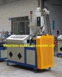 Maquinaria expulsando da fabricação do plástico dobro da câmara de ar da luz do policarbonato da cor