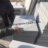 中国の製造者の曇った灰色の大理石の壁のタイル