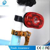 Bicicleta da bicicleta do diodo emissor de luz do motor que dá um ciclo a luz traseira