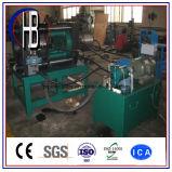 工場によって作り出される高品質の油圧ホースひだが付く機械