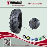 Il trattore agricolo dei pneumatici gomma i pneumatici dell'azienda agricola