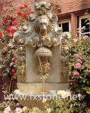 Высеканный мраморный фонтан стены