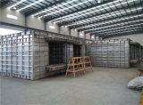 O concreto de alumínio Molde-Derrama no molde