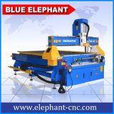 Маршрутизатор CNC машины Woodworking с роторным приспособлением