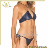 Zwei der Badebekleidungs-reizvollen geöffneten Stücke Dame-Leather Micro Mini Bikini