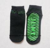 Sprung-Socke ist für Verein-Trampoline-Socken-gleitsichere Fußboden-Gleitschutzsocken