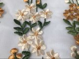 衣服のアクセサリのための標準的な花の形の高品質のネットの刺繍のレース