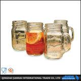 Hohes weißes Glasflaschen-geprägtes Muster und Firmenzeichen-Maurer-Glas