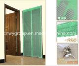 Rideau décoratif magnétique en porte grillagée de mouche