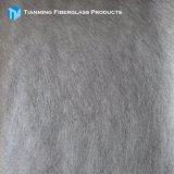 ガラス繊維のマットかガラス繊維によって切り刻まれた繊維のマットまたは乳剤または粉は結んだ