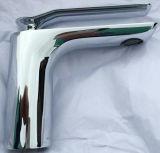 高品質のヨーロッパ様式の単一のレバーの洗面器のコック