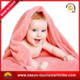 専門の使い捨て可能な配管端が付いている赤ん坊毛布の羊毛の毛布によって印刷される毛布
