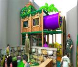 O divertimento do elogio caçoa o campo de jogos interno do tema da selva para a venda