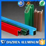 Poeder Met een laag bedekte OEM van het Profiel van het Aluminium van de Uitdrijving van het Aluminium van de Deur van het Venster ODM