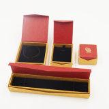 Het milieuvriendelijke Vakje van het Document van Kraftpapier van het Karton voor het Kostuum van Juwelen (j28-e)