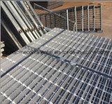 Randde de fabriek Gegalvaniseerde Loopbrug Industriële Grating van de Vloer van het Staal