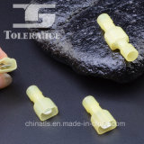 De borne électrique de mâle joint isolé par nylon entièrement