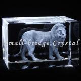 Cubo del león del laser del cristal 3D