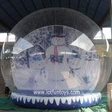 Weihnachtsdekoration: Riesiges aufblasbares menschliches Schnee-Kugel-Bekanntmachen