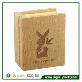 도매 관례에 의하여 인쇄되는 책 모양 나무로 되는 음악 상자