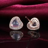여자의 925의 순은 형식 우아한 Heart-Shaped 분홍색 수정같은 장식 못 귀걸이