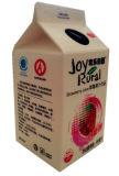 carton triangulaire de jus de la fraise 450ml avec le papier d'aluminium