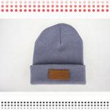 Modèles et chapeau de tricotage acryliques faits sur commande en gros