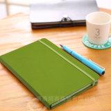 Diario de cuero/personalizado escribiendo a cuaderno el diario de cuero