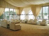 300 Seaterの白いライニングの玄関ひさしの結婚式のテントの装飾の屋根のテント