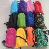 2017 bolso portable populares de albergue inflable que acampa de aire con impresión de la insignia