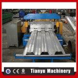 Cubierta de suelo de la estructura de acero que forma la máquina