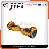 """Auto de duas rodas que balança o """"trotinette"""" elétrico com música de Bluetooth"""