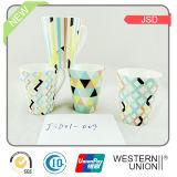 Caneca de café fina da porcelana com pintura