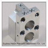 Heißes Präzisions-Drehbank-Aluminiumlegierung-Ventil-Körperteil-Prägen