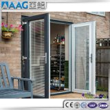 Puerta exterior de la puerta de aluminio del marco con la ventana de apertura