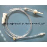 Équipement médical remplaçable avec le pointeau hypodermique et le tube de latex