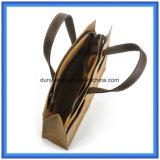 シンプルな設計の新しい防水クラフト紙の物質的なハンド・バッグは、環境に優しいカスタマイズされたTearproof特別なクラフト紙のハンドルPUの革ハンドルが付いているトートバックを運ぶ