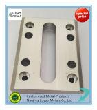 CNC que mmói para as peças fazendo à máquina