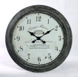 家の装飾的な金属の柱時計