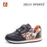 La nueva manera de los niños se divierte los zapatos corrientes para las muchachas de los muchachos de los cabritos